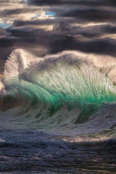 """Résultat de recherche d'images pour """"vague tempete"""""""