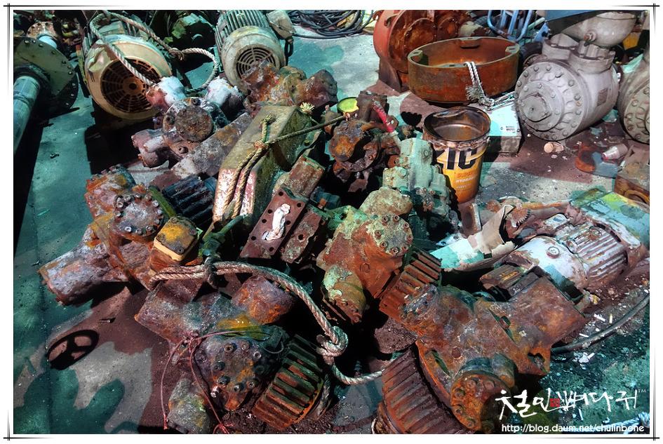 부산 영도대교주변 바닷가 폐기계들.거리야경