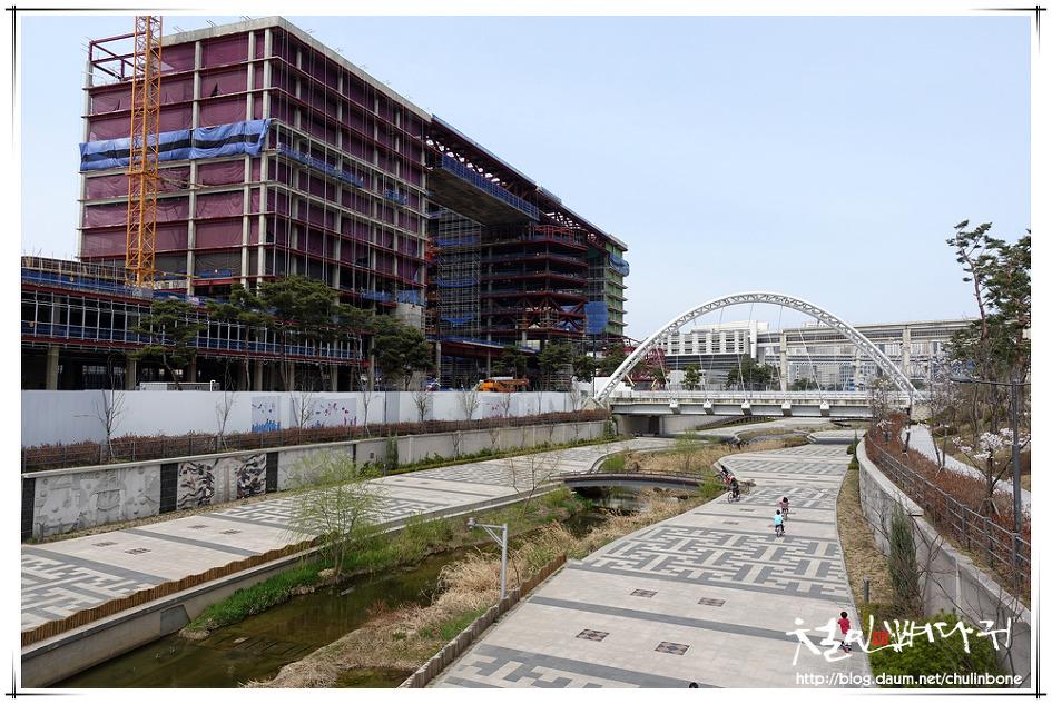 대전역동광장에서 BRT1001번버스 타고 세종시가기. Sliced Image STREET