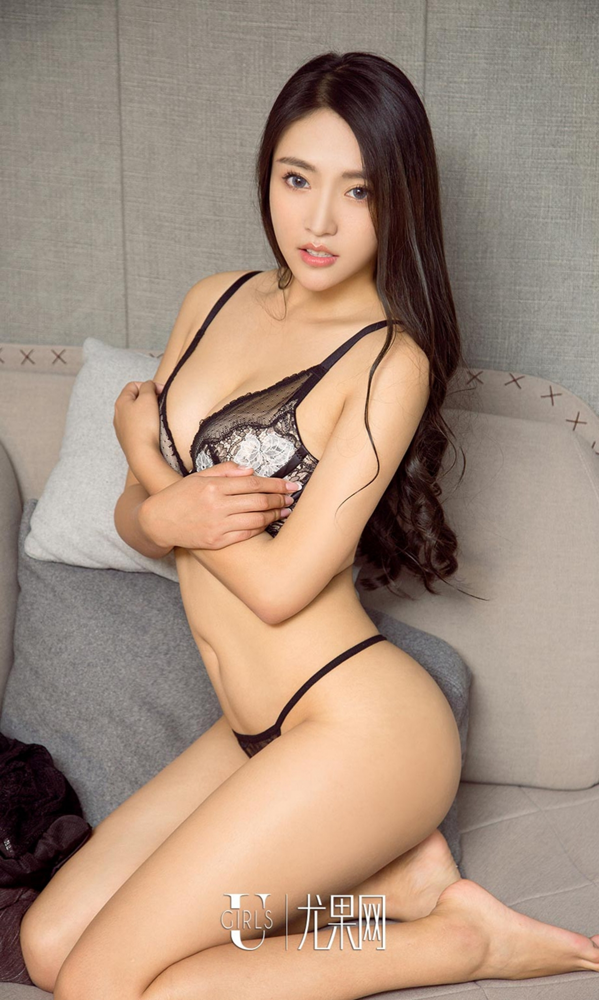hot lingerie pose Chinese glamour